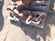 New Holland 75 linkage & Axle